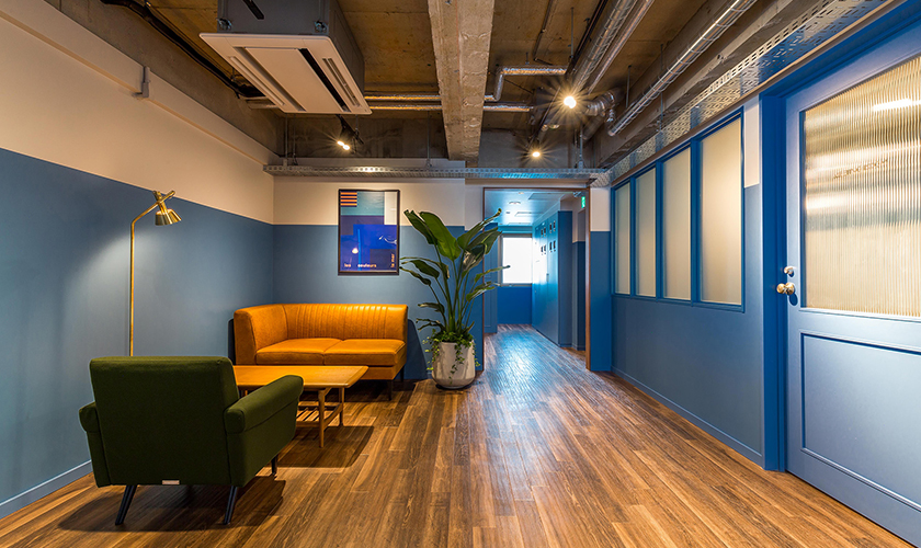 4F Lounge